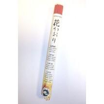 rouleau-d-encens-traditionnel-japonais-au-lotus